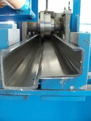 Гнутый профиль для производства бронированных дверей и дверных коробок